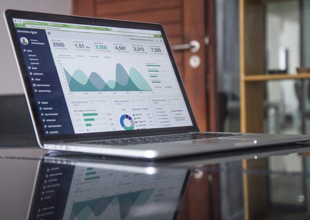 Sito web professionale con ottimizzazioni di web marketing analytics per la tua azienda